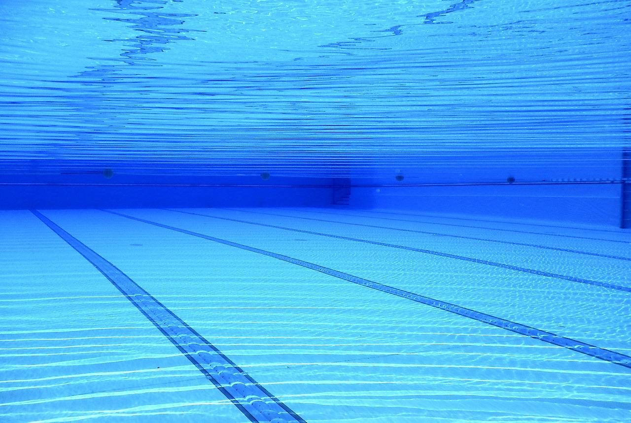 10 consejos para ahorrar en el mantenimiento de tu piscina inverman pool mantenimiento de - Coste mantenimiento piscina ...